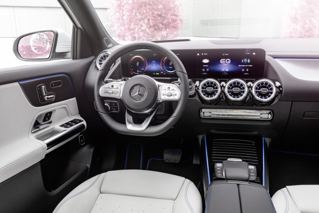 Mercedes EQA 7