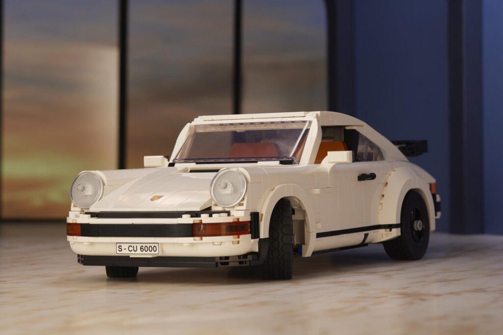 LEGO Porsche 911 TURBO BEAUTY HEADLIGHT SHOT