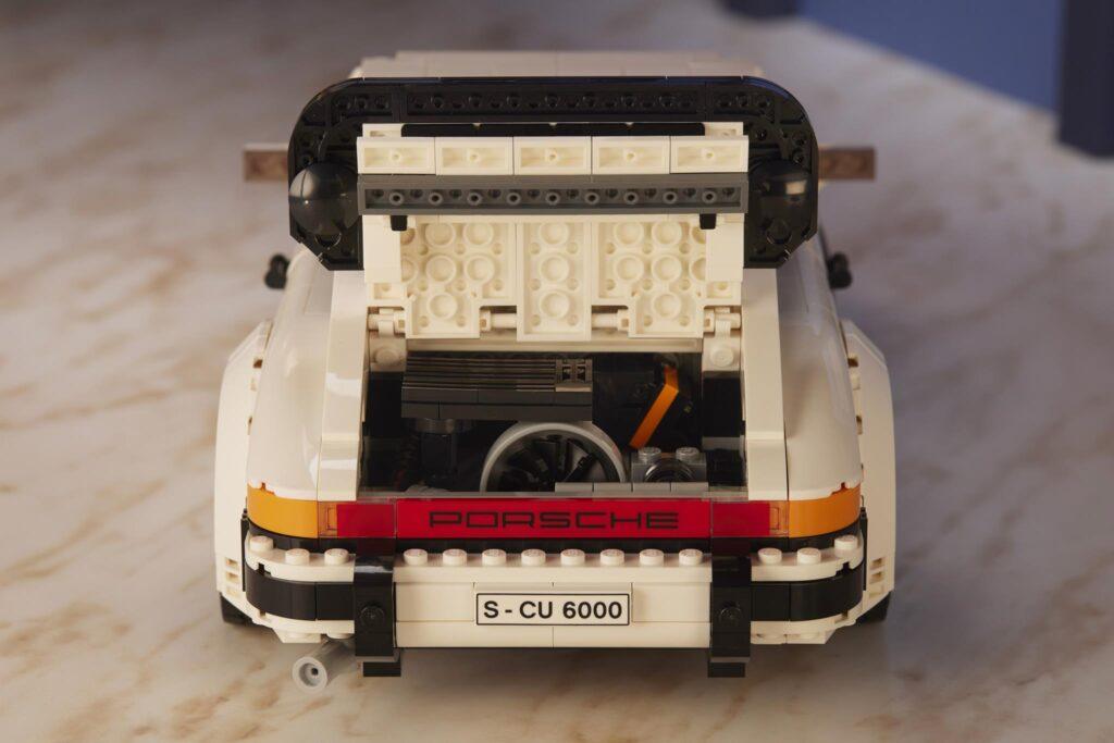LEGO Porsche 911 TURBO DETAIL ENGINE