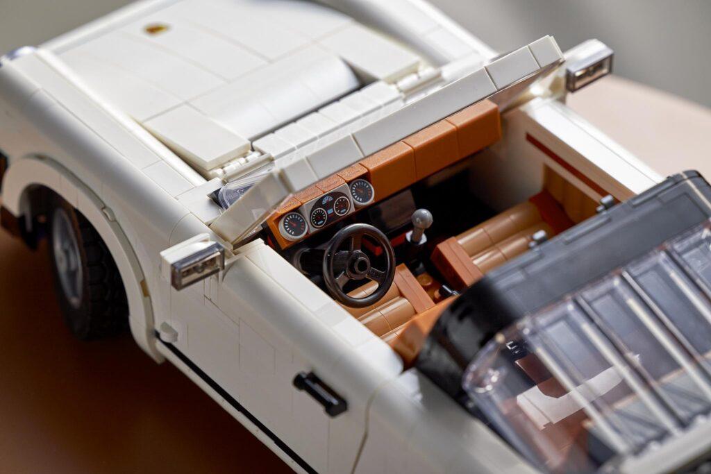 LEGO Porsche 911 details 1