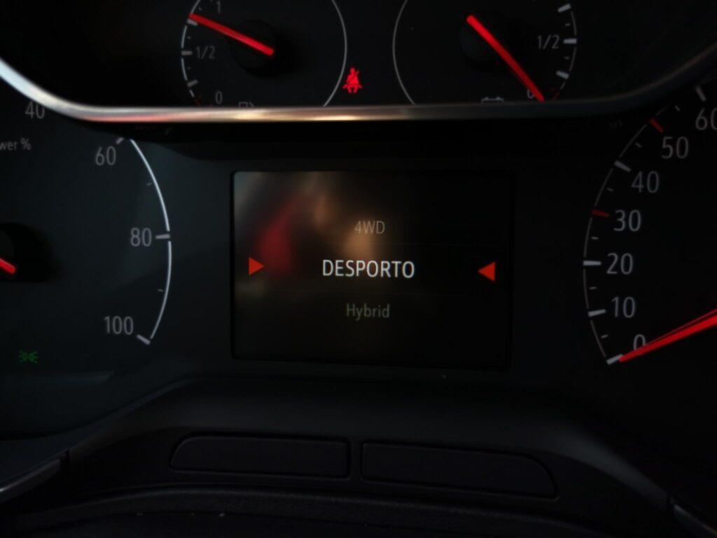 Opel Grandland X hybrid4 38