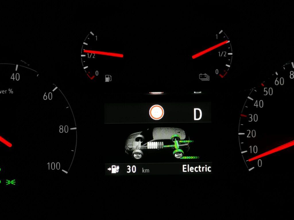 Opel Grandland X hybrid4 73