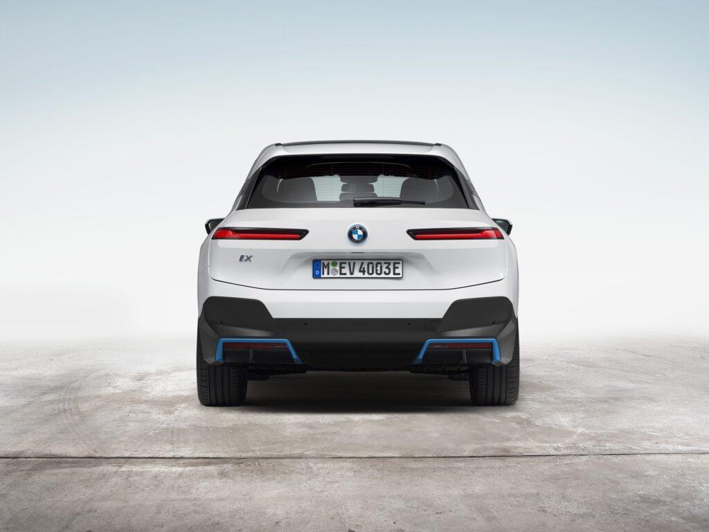 BMW iX 21