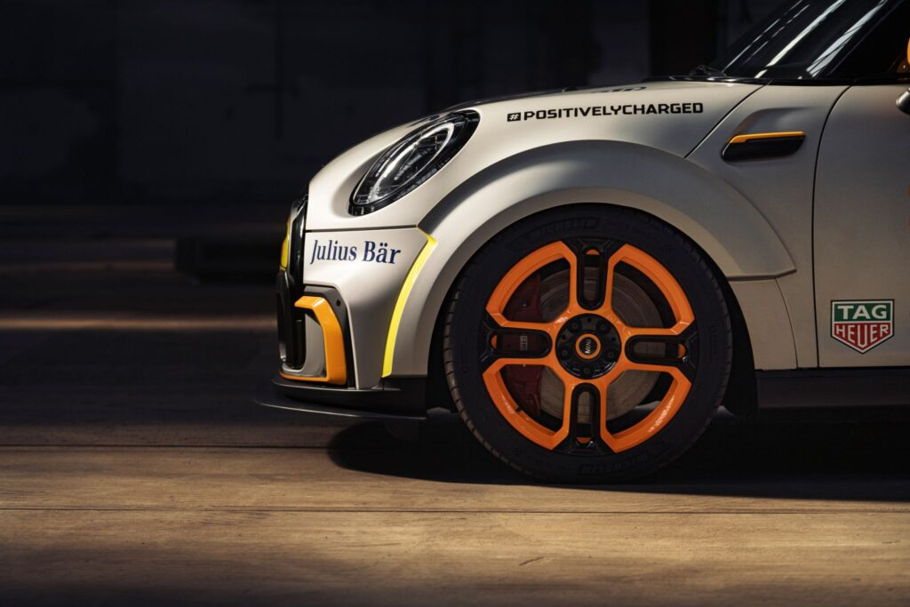 MINI Electric Pacesetter 10
