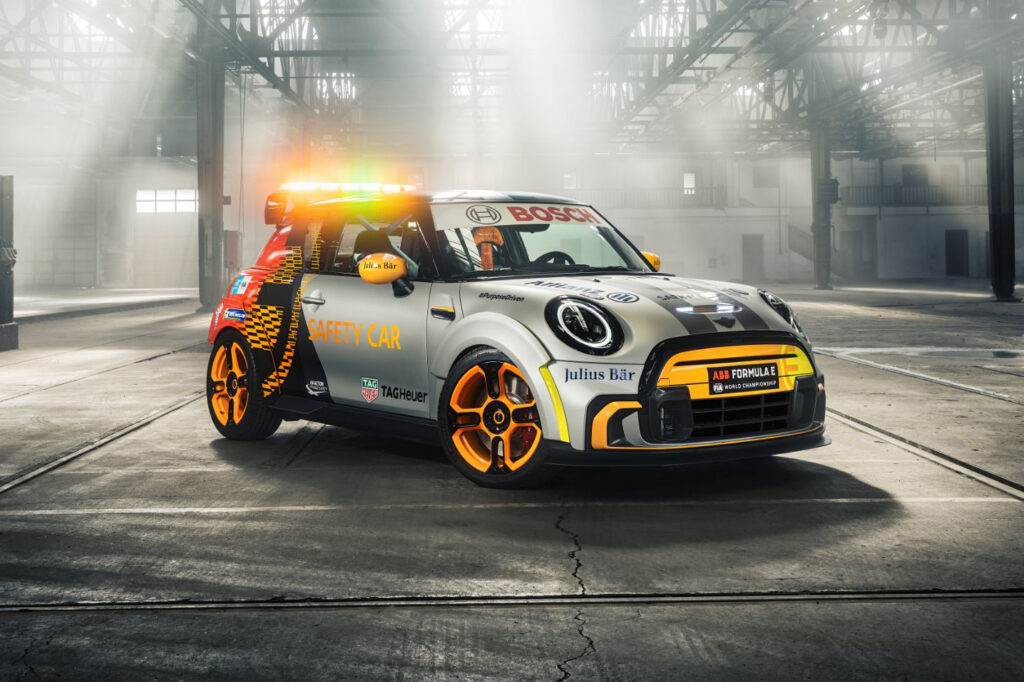 MINI Electric Pacesetter 16