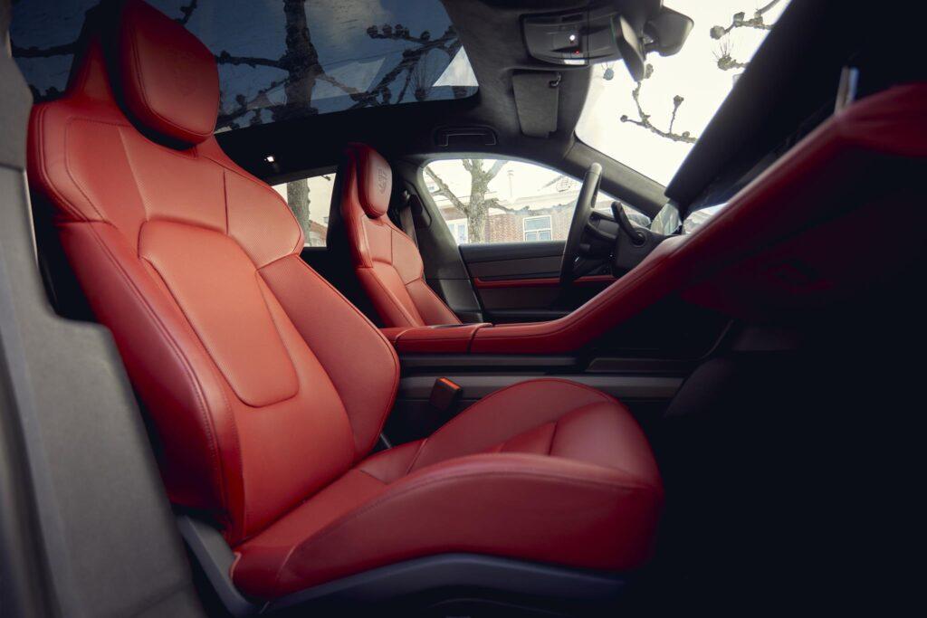 Porsche Taycan Cross Turismo interior 4