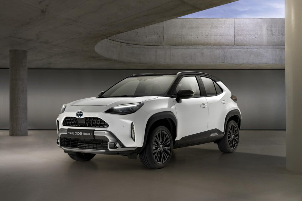 Toyota Yaris Cross Hybrid Adventure 1