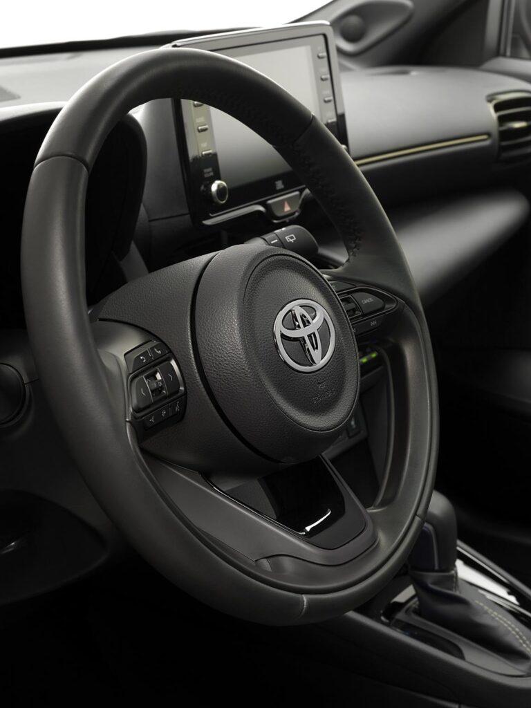 Toyota Yaris Cross Premiere Edition 9