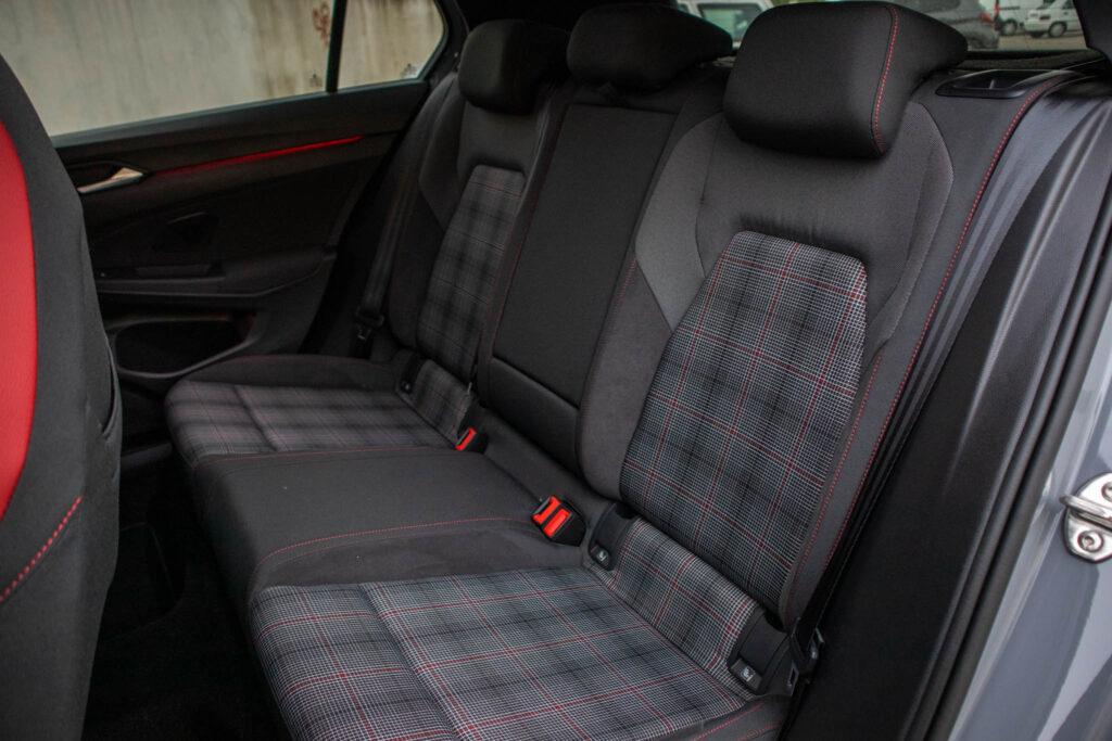 VW Golf GTI 22