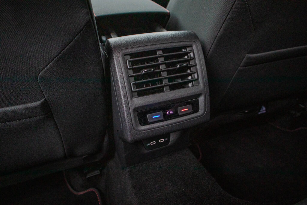 VW Golf GTI 23