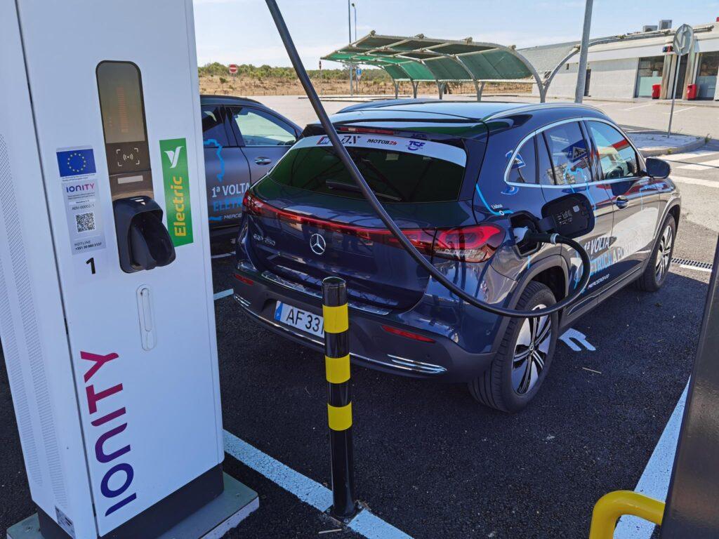 Volta Elétrica a Portugal EQA Ionity