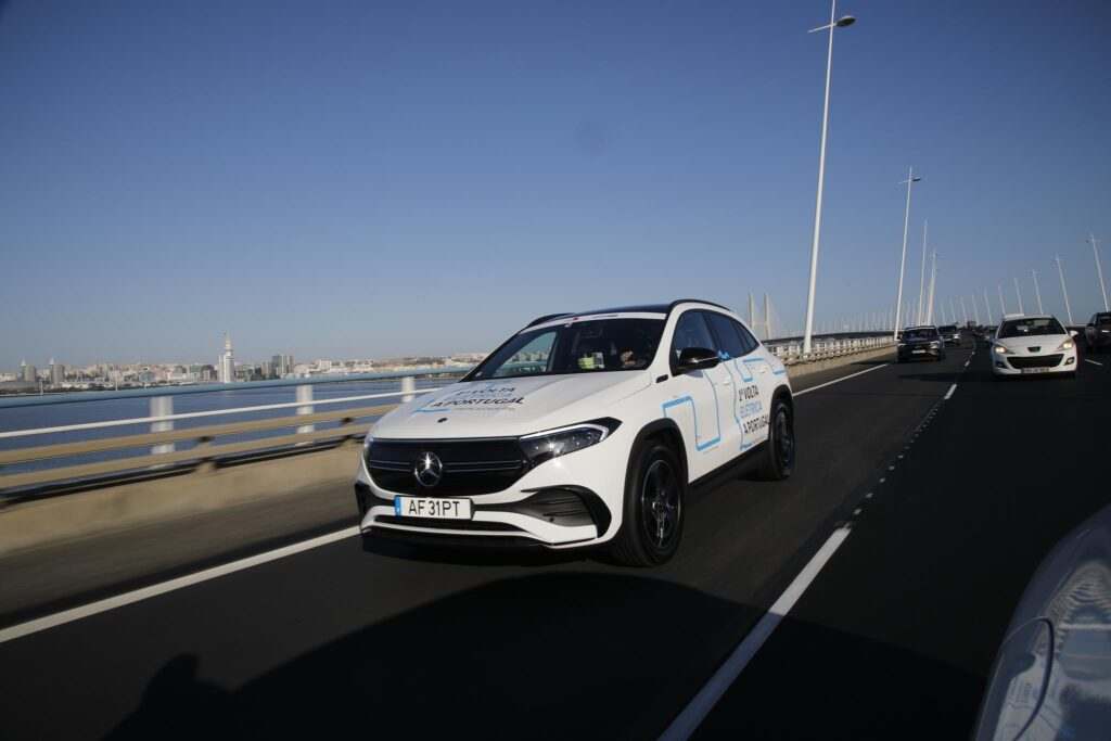 Volta Elétrica a Portugal Mercedes EQA 20