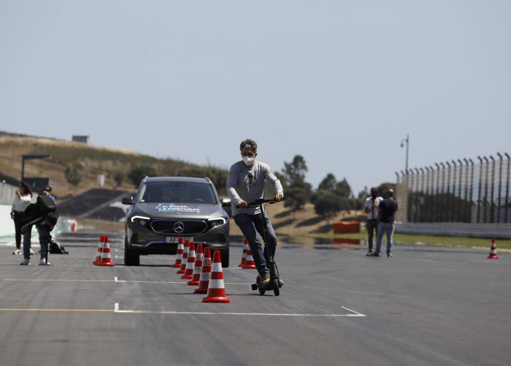 Volta Elétrica a Portugal Mercedes EQA 32