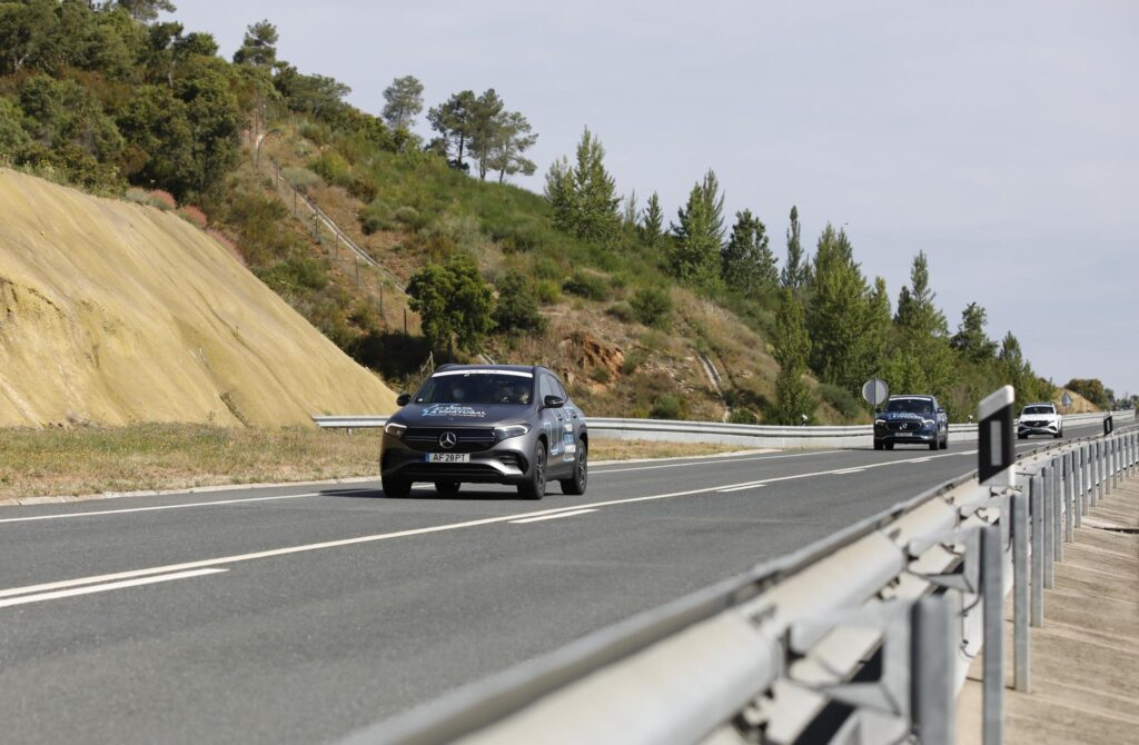 Volta Elétrica a Portugal Mercedes EQA 38