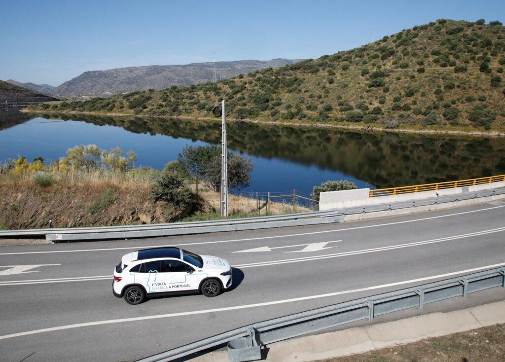 Volta Elétrica a Portugal Mercedes EQA 67