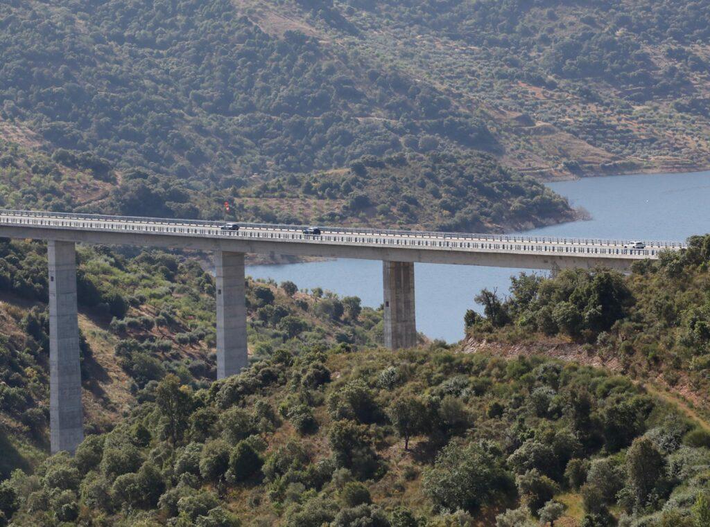Volta Elétrica a Portugal Mercedes EQA 68