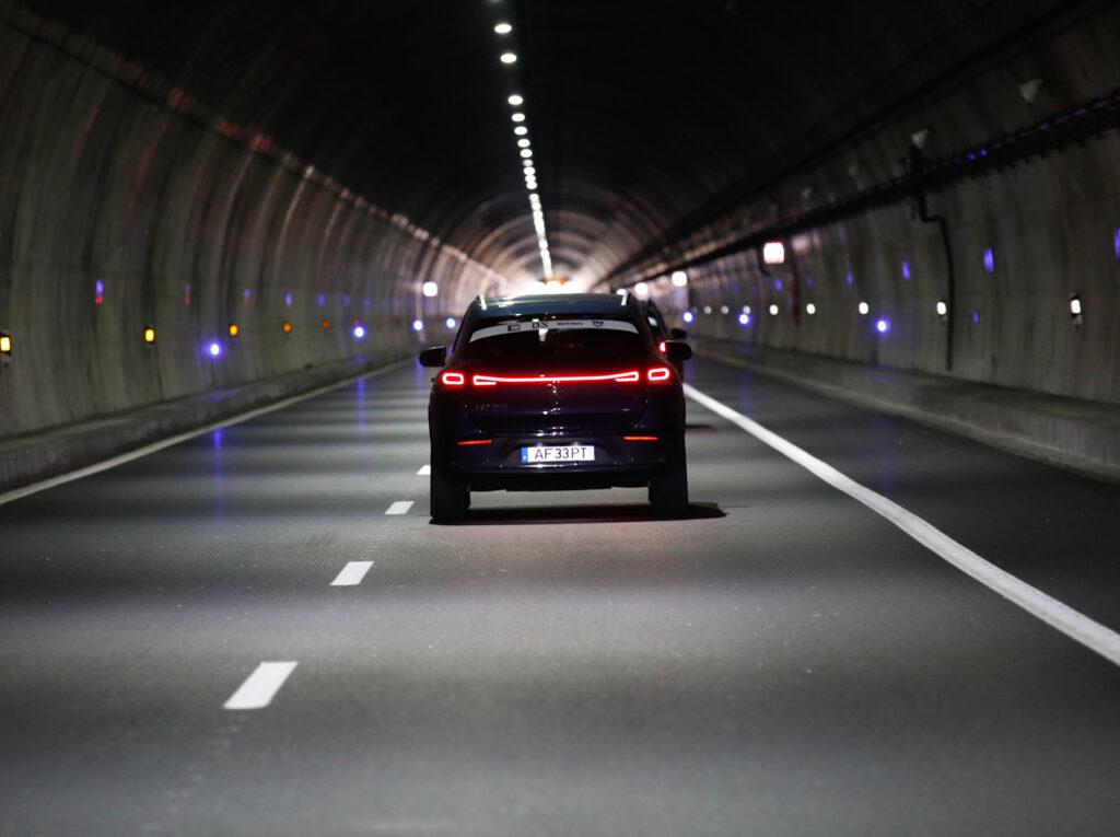 Volta Elétrica a Portugal Mercedes EQA 72