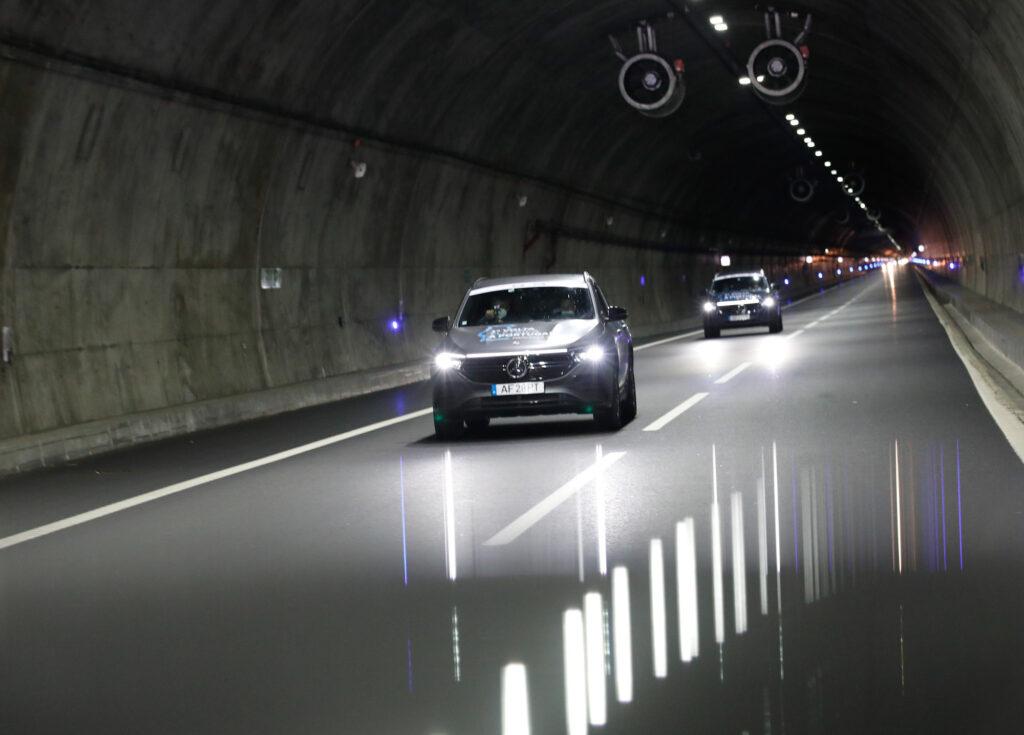 Volta Elétrica a Portugal Mercedes EQA 73