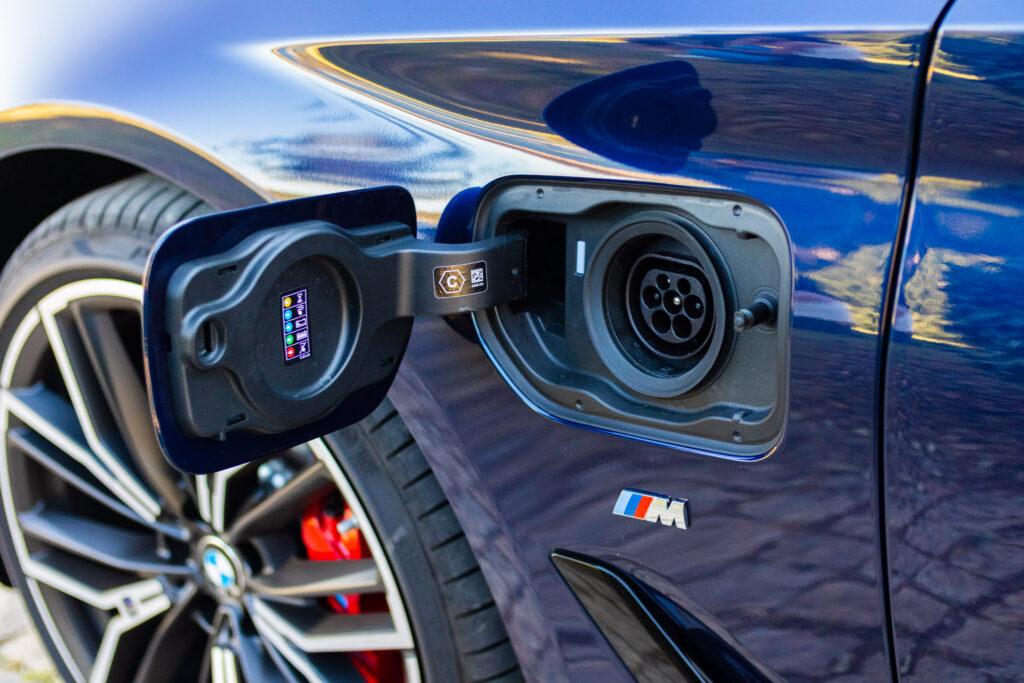BMW 545e xDrive 24