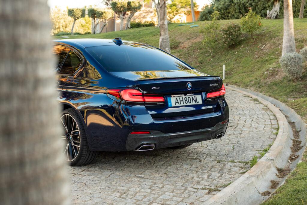 BMW 545e xDrive 283
