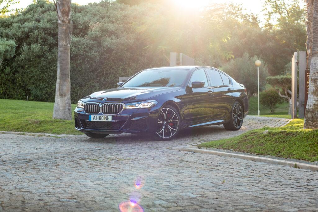 BMW 545e xDrive 322