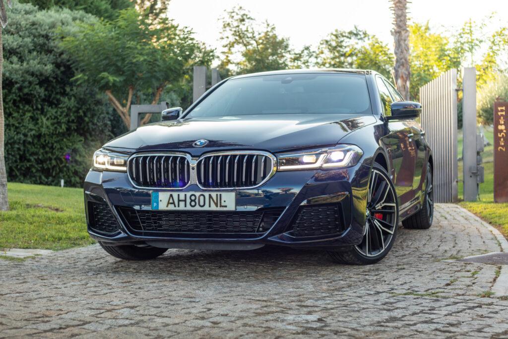 BMW 545e xDrive 336