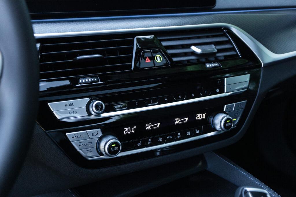 BMW 545e xDrive 40